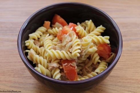 Rotini with tuna and tomato
