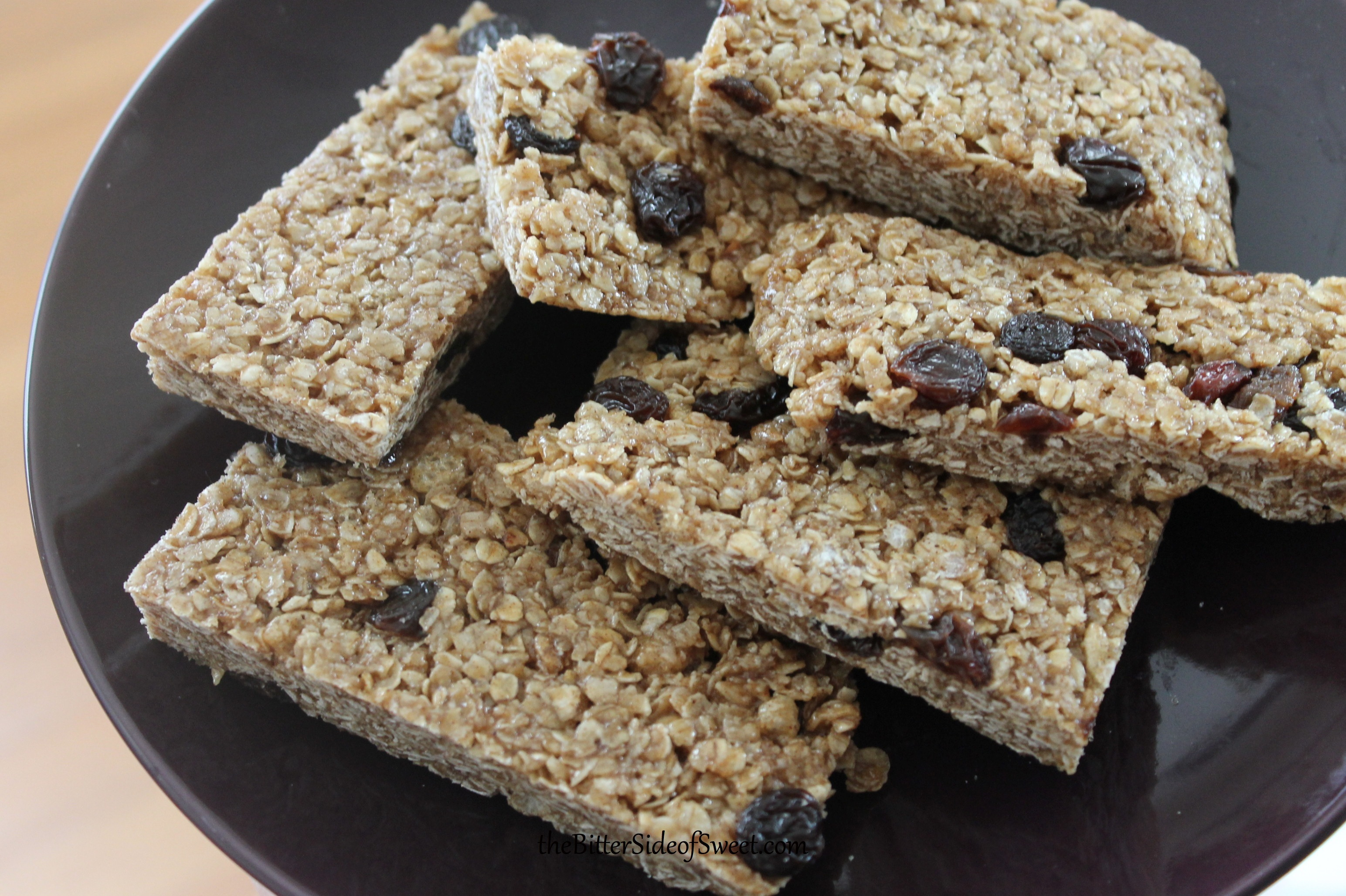 Cinnamon Raisin Granola Bars